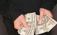 By meeting meaningful use requirements, a chiropractor can obtain monetary incentives.